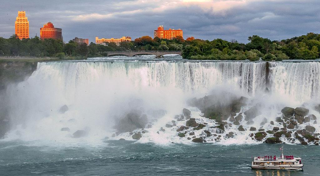 Екскурзия Канада – Ниагарския водопад, Монреал, Торонто, Отава и Квебек