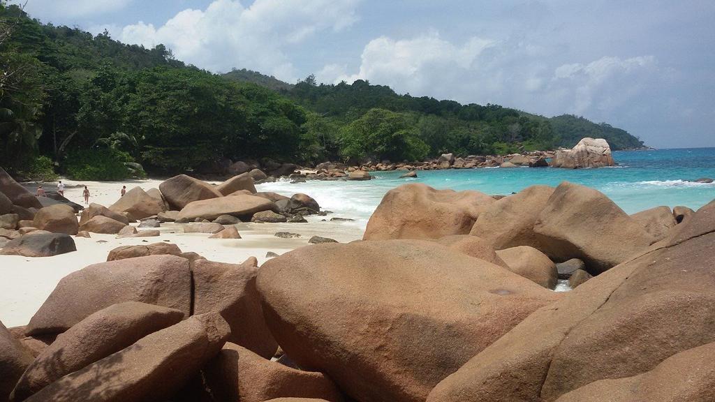 Почивка на Сейшели – слънце, безкрайни плажове и още нещо…